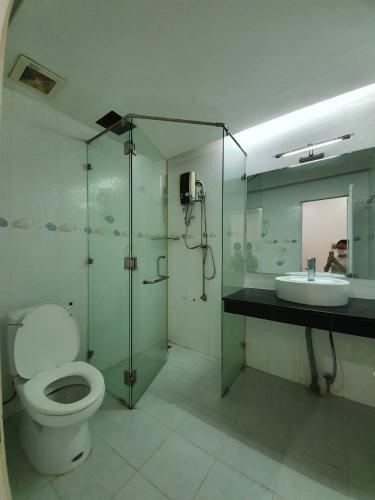 Phòng tắm căn hộ Sky Garden 3 Căn hộ Sky Garden 3 view nội khu thoáng đãng, tầng trung.
