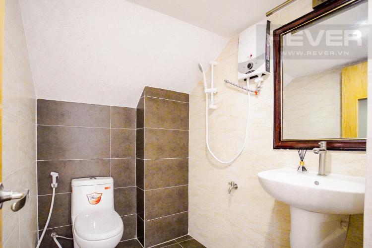 Phòng Tắm Tầng Trệt Bán nhà phố đường Huỳnh Văn Bánh 43.8m2, 3 lầu 5PN 4WC, view khu dân cư