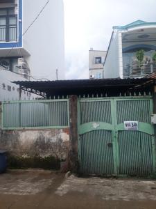 Bán nhà cũ tại KP4, phường Phước Long A, Quận 9, sổ hồng, hướng Đông Nam