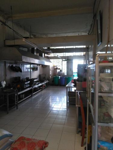 bếp  Nhà phố hướng Đông Bắc, đường xe hơi rộng rãi, 160m2.