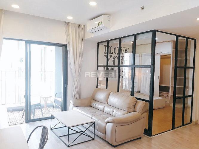 Căn hộ chung cư Masteri Thảo Điền nội thất cao cấp, view thành phố.