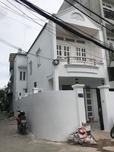 Nhà phố 2 mặt hẻm Quận Gò Vấp có sổ hồng riêng, khu dân cư an ninh.