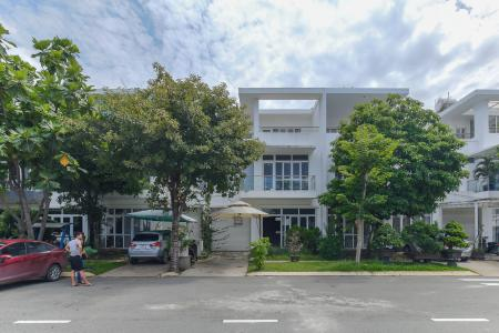 Bán biệt thự Villa Park 2 lầu, 4 phòng ngủ, sổ đỏ chính chủ , tiện ích nghỉ dưỡng hiện đại