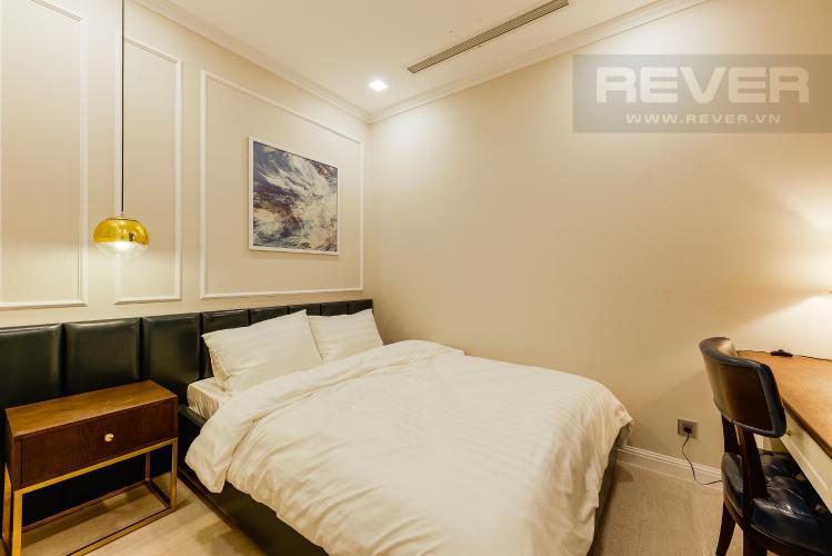 Phòng ngủ 2 Căn hộ Vinhomes Golden River tầng cao, 2PN đầy đủ nội thất, view sông