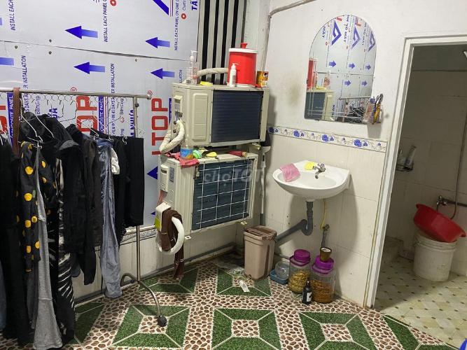Phòng tắm nhà phố đường Số 20, Thủ Đức Nhà phố Thử Đức hướng Nam diện tích đất 60m2, nội thất đầy đủ.