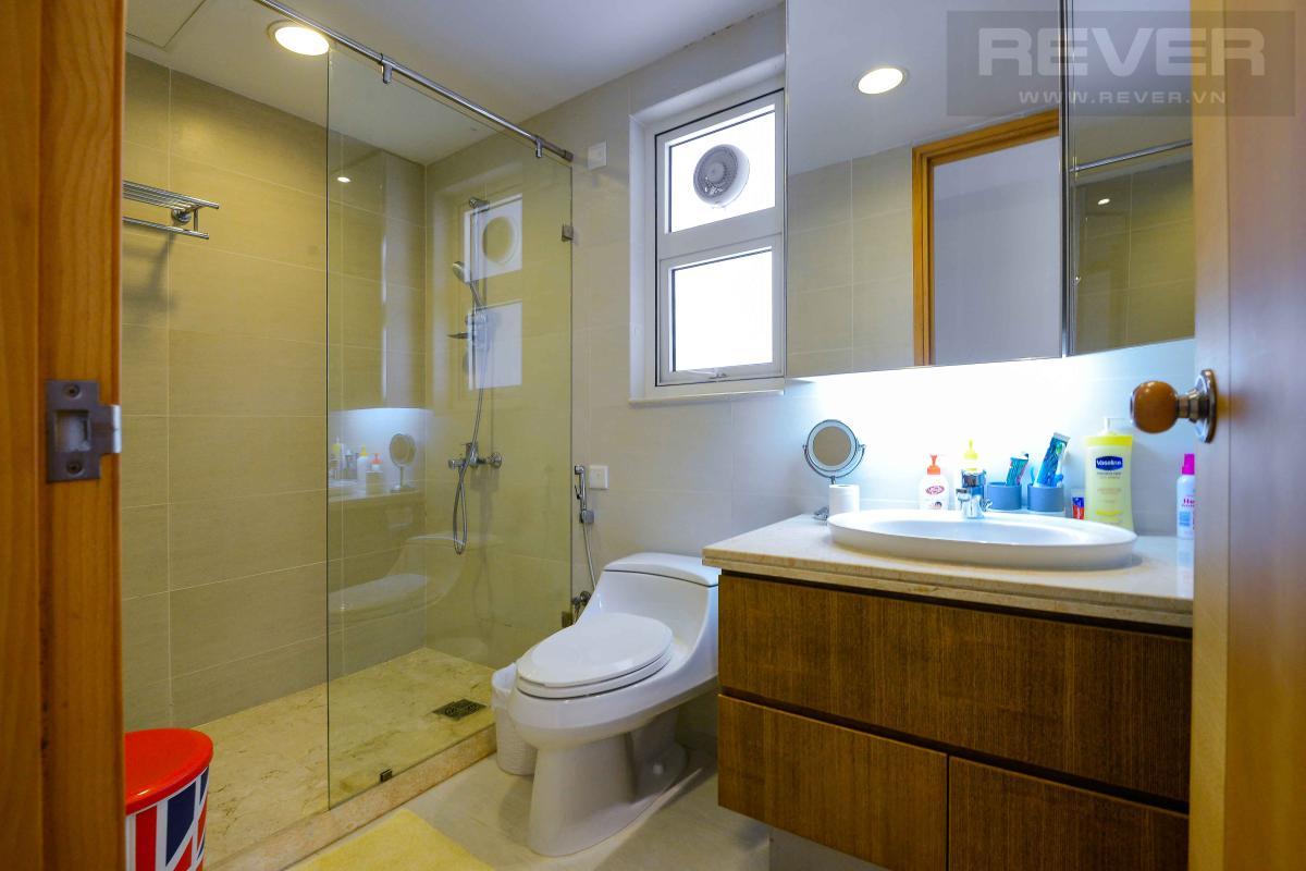 bathroom2 Bán hoặc cho thuê căn hộ Saigon Pearl 3PN, tầng cao, tháp Sapphire 1, đầy đủ nội thất, view sông và thành phố