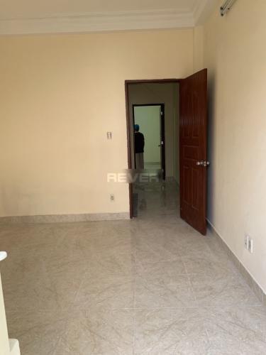 Phòng ngủ nhà phố Quận 1 Nhà phố hướng Tây Bắc có sân trước rộng, diện tích đất 60m2.