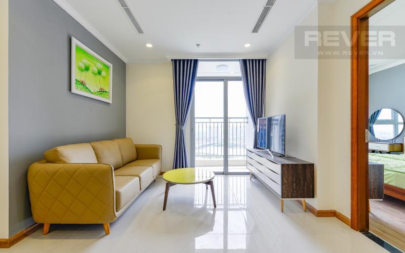 Phòng khách Căn hộ Vinhomes Central Park tầng cao Landmark 2 đầy đủ nội thất