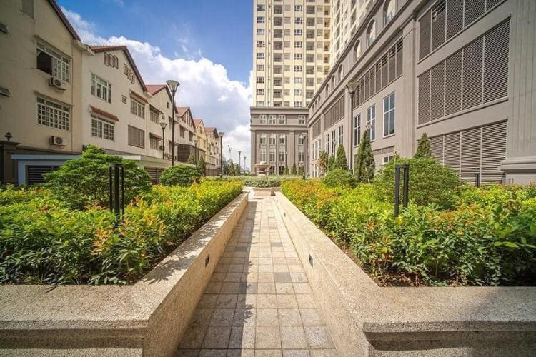 view nội khu căn hộ sài gòn mia Bán căn hộ tầng trung Saigon Mia chưa bàn giao, ban công thoáng mát.
