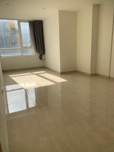 Căn hộ The CBD Premium Home tầng trung, view nội khu.