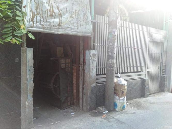 Bán nhà đường hẻm Tôn Thất Thuyết, sổ hồng đầy đủ, diện tích đất 55.4m2.