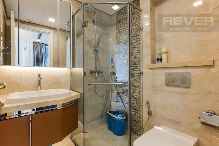 Phòng Tắm Căn hộ Vinhomes Golden River tầng trung tòa Aqua 3 diện tích 57m2, đầy đủ nội thất