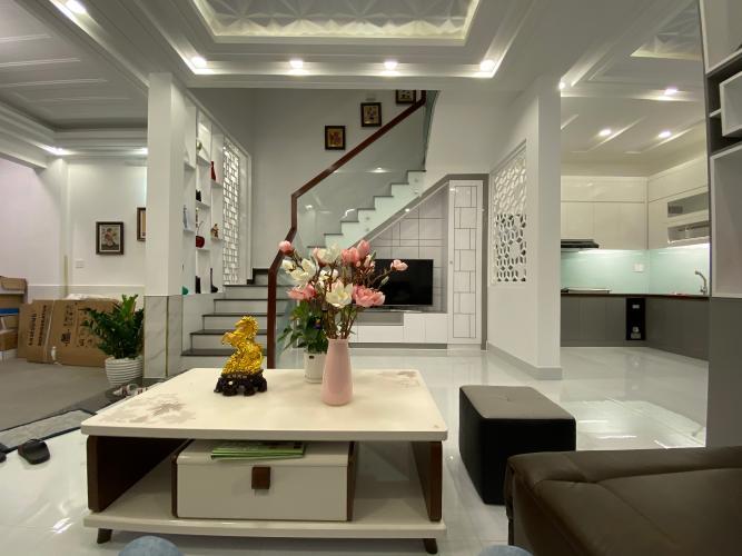 Phòng khách nhà phố Nhà Bè Bán nhà 3 tầng hẻm 52 Đào Tông Nguyên, Nhà Bè, sổ hồng