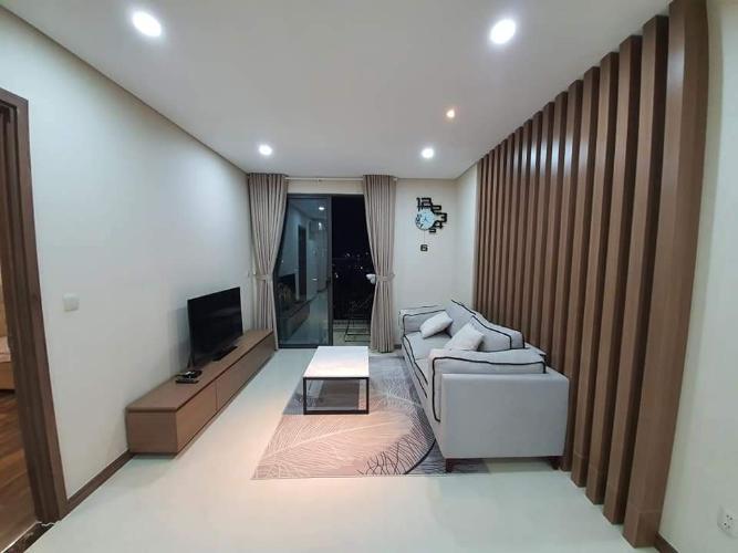 Căn hộ Hado Centrosa Garden tầng trung, đầy đủ nội thất.