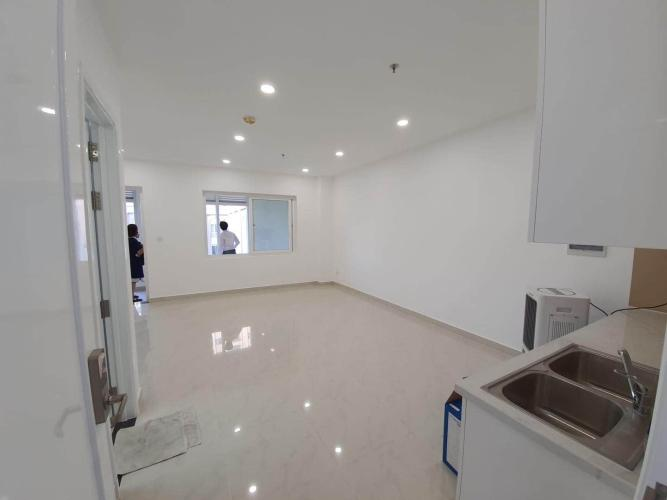 Phòng khách căn hộ Saigon Mia Bán căn hộ Saigon Mia tầng thấp, diện tích 46m2 - 1 phòng ngủ, nội thất cơ bản.