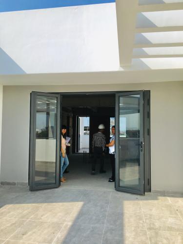 Sân thượng nhà phố quận 2 Cho thuê nhà nguyên căn MT Đồng Văn Cống, Quận 2, 4 lầu 1 lửng, giao thông thuận tiện