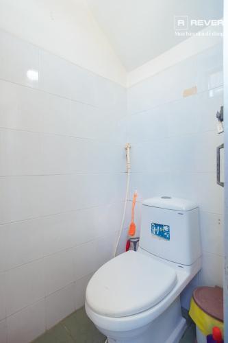 Toilet nhà phố Quận 7 Bán nhà hẻm Trần Xuân Soạn, Quận 7, sổ đỏ, hướng Đông Nam, cách cầu Kênh Tẻ 1km