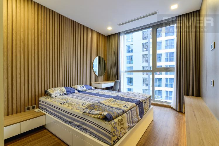 Phòng Ngủ 1 Căn hộ Vinhomes Central Park tầng cao, 2PN, đầy đủ nội thất, view hồ bơi