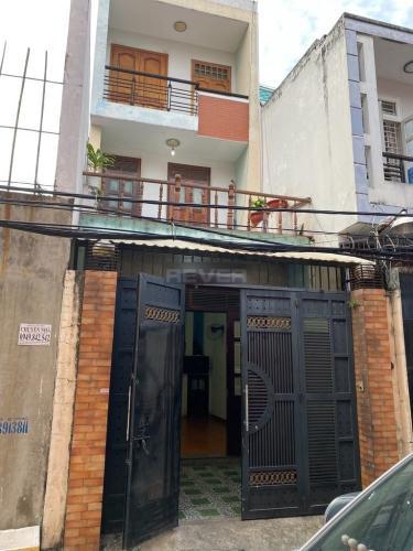 Mặt tiền nhà phố Bình Tân Nhà phố 1 trệt 2 lầu hướng Đông, diện tích sử dụng 120m2.