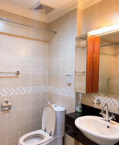 Phòng tắm , Căn hộ The Manor , Quận Bình Thạnh Căn hộ cao cấp The Manor tầng 17 thiết kế hiện đại kèm sàn gỗ.