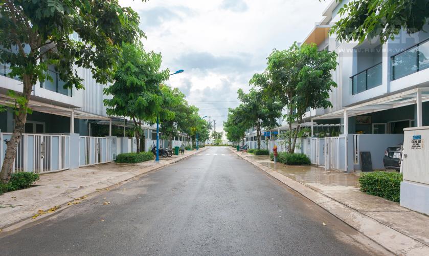Lối vào Nhà phố khu villa Mega Village Quận 9 đầy đủ nội thất, tiện nghi