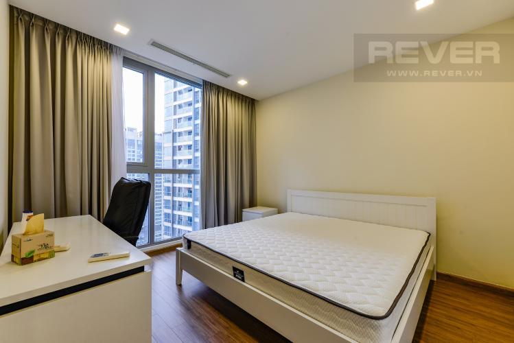 Phòng ngủ 2 Căn hộ Vinhomes Central Park 2PN nội thất đầy đủ, có thể dọn vào ở ngay