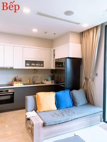 3 Bán căn hộ Vinhomes Golden River 2PN, tầng trung, đầy đủ nội thất, view sông và thành phố