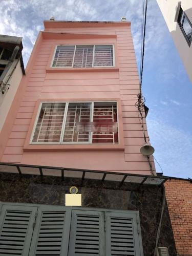 Nhà phố hướng Bắc, diện tích 21m2, kết cấu 3 tầng, sổ hồng riêng.