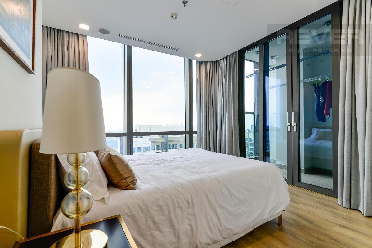 Phòng Ngủ 2 Bán hoặc cho thuê căn hộ Vinhomes Central Park 4PN, tháp Landmark 81, diện tích 164m2, đầy đủ nội thất, căn góc view thoáng