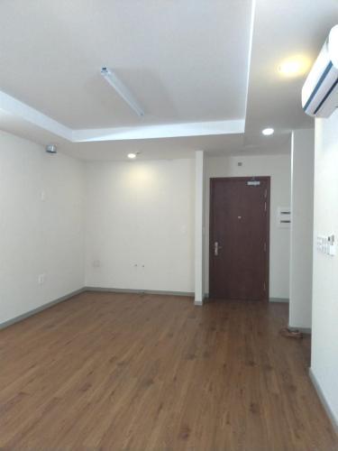 Phòng khách căn hộ THE GOLD VIEW Bán hoặc cho thuê căn hộ officetel The Gold View 1PN, diện tích 63m2, nội thất cơ bản, view nội khu
