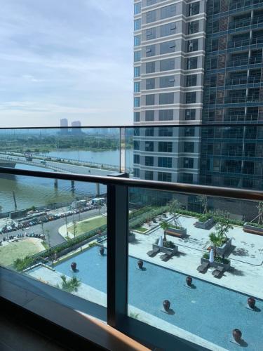 Ban công Sunwah Pearl, Bình Thạnh Căn hộ tầng cao Sunwah Pearl nội thất cơ bản, view thoáng mát.