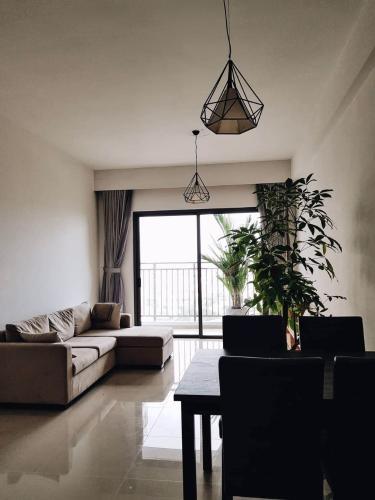 Phòng khách căn hộ The Sun Avenue Cho thuê căn hộ The Sun Avenue 3 phòng ngủ tầng cao diện tích 86.9m2