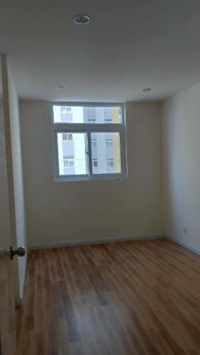 Phòng ngủ City Gate, Quận 8 Căn hộ tầng trung City Gate view nội khu, không nội thất.