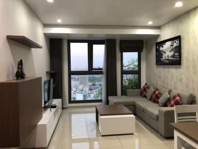 Căn hộ Pearl Plaza tầng 17 view sông và thành phố, đầy đủ nội thất.