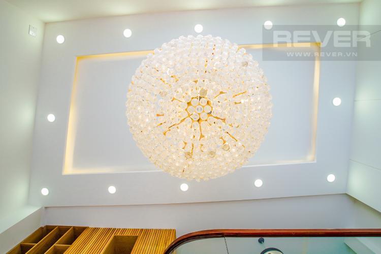 Đèn Trần Bán nhà phố đường Huỳnh Văn Bánh 43.8m2, 3 lầu 5PN 4WC, view khu dân cư