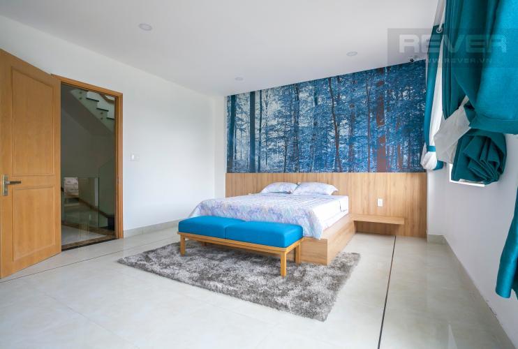 Phòng Ngủ 1 Biệt thự Lakeview City đường Nguyễn Duy Trinh Quận 2, diện tích 8x20m, thiết kế hiện đại.