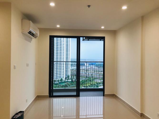 phòng khách  Căn hộ Vinhomes Grand Park view nội khu cùng nội thất cơ bản.