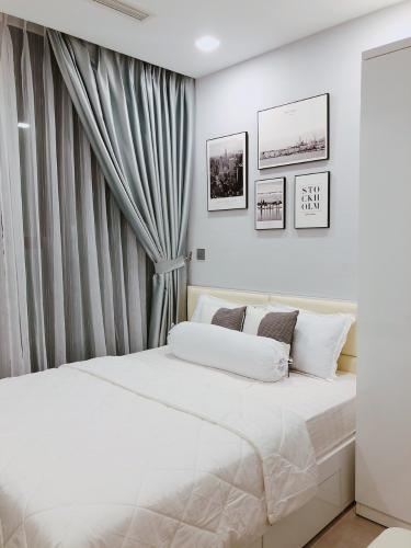 phòng ngủ Căn hộ Vinhomes Golden River tầng cao, view  lộng gió.