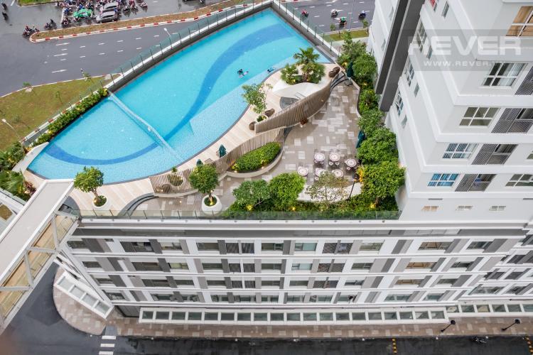 View Ban Công Bán căn hộ Sunrise CityView 3PN, tầng trung, đầy đủ nội thất, view hồ bơi và đường Nguyễn Hữu Thọ