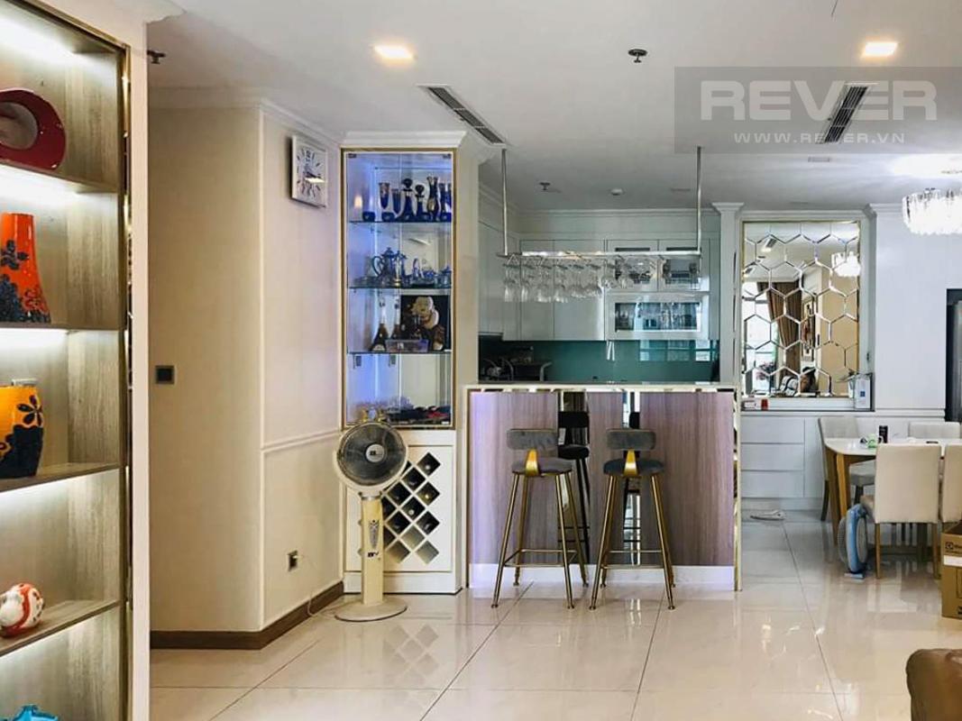 180eb702d8f43eaa67e5 Cho thuê căn hộ Vinhomes Central Park 4PN, tháp Park 6, diện tích 154m2, đầy đủ nội thất, view sông và công viên