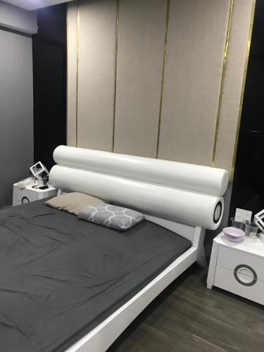 deef883a052bfc75a53a Bán căn hộ The Gold View 2 phòng ngủ, đầy đủ nội thất, hướng ban công Đông Bắc