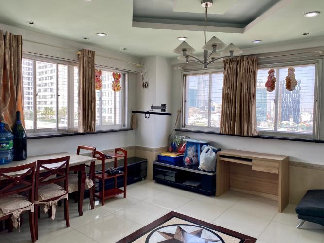 Căn hộ tầng 10 chung cư H3 Hoàng Diệu view thành phố thoáng mát.