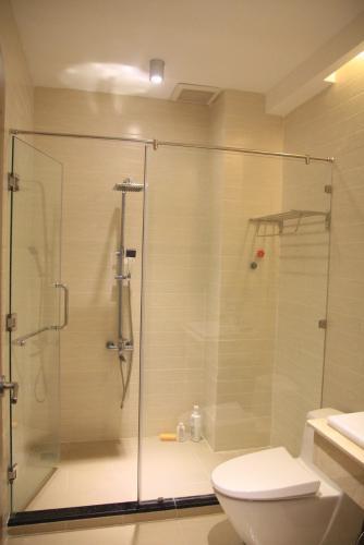 Toilet nhà phố Bình Tân Bán nhà 3 tầng đường 36, phường Bình Trị Đông, Quận Bình Tân, đầy đủ nội thất, sổ hồng chính chủ