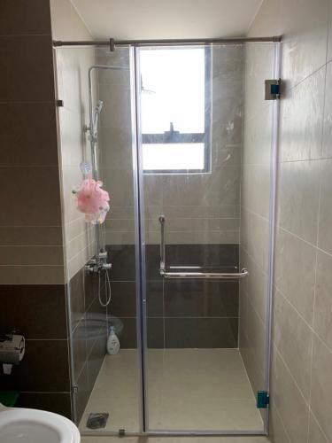 Nhà tắm căn hộ The Sun Avenue Căn hộ The Sun Avenue 3 phòng ngủ, view thành phố sầm uất.