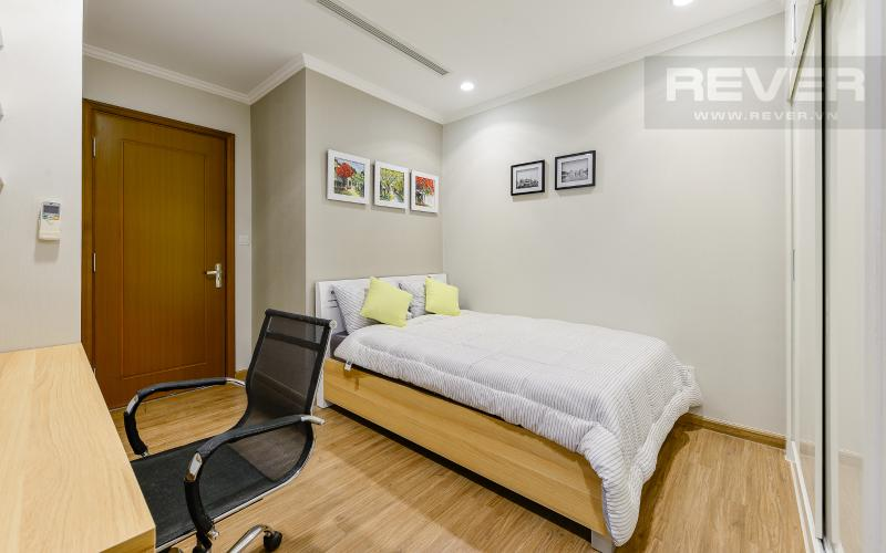 phòng ngủ 2 Căn hộ Vinhomes Central Park tầng cao Landmark 3 thiết kế đẹp, view sông