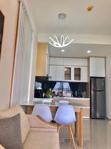 Bán căn hộ The Sun Avenue 2PN, diện tích 78m2, đầy đủ nội thất, view đại lộ Mai Chí Thọ và Landmark 81