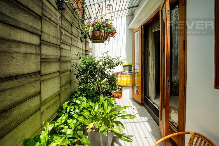 Sân Vườn Sau Cho thuê nhà phố 4 tầng đường 19, Q2, đầy đủ nội thất, view Landmark 81