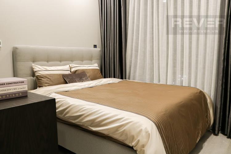 Phòng Ngủ 2 Bán hoặc cho thuê căn hộ Vinhomes Golden River 2PN, tầng trung, đầy đủ nội thất, view sông Sài Gòn