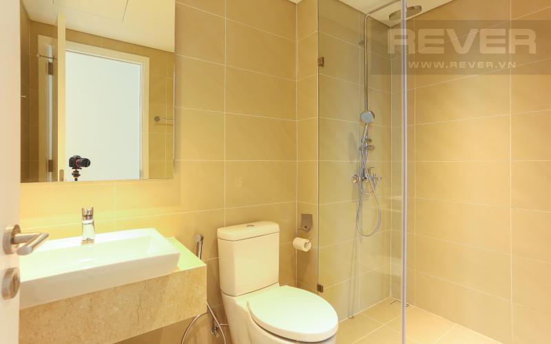 Phòng Tắm 01 Căn hộ Diamond Island - Đảo Kim Cương 2PN đầy đủ nội thất