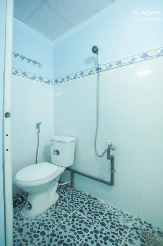 Nhà vệ sinh tầng trệt Bán nhà phố 2 tầng, phường Tân Thuận Tây, Quận 7, sổ hồng chính chủ